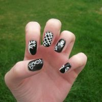 Best White Press On Nails Products on Wanelo