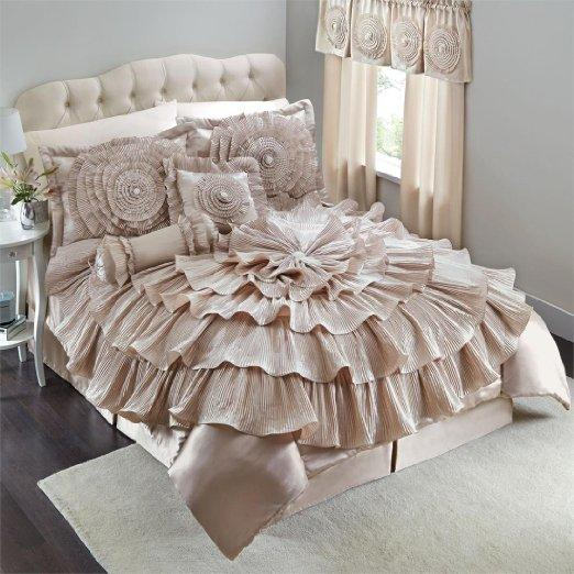 Brylanehome Romance Bed Comforter Set from Amazon