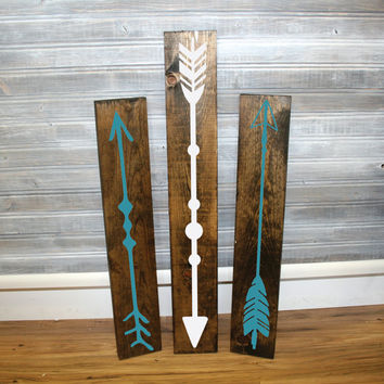 Reclaimed Wood Arrow Sigs  Set of 3  Wall Decor Arrow Design Wood Home Decor Gift for Her