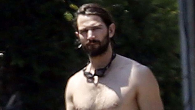 Game Of Throness Michiel Huisman Goes Shirtless