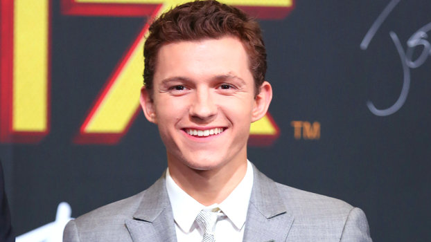 Fitness Wallpaper Iphone X Tom Holland Loses His Spidey Senses In Post Op Wisdom
