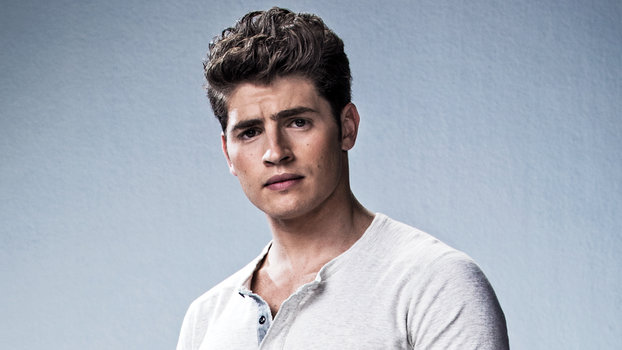 Gregg Sulkin Is Your New Crush from Marvels Runaways