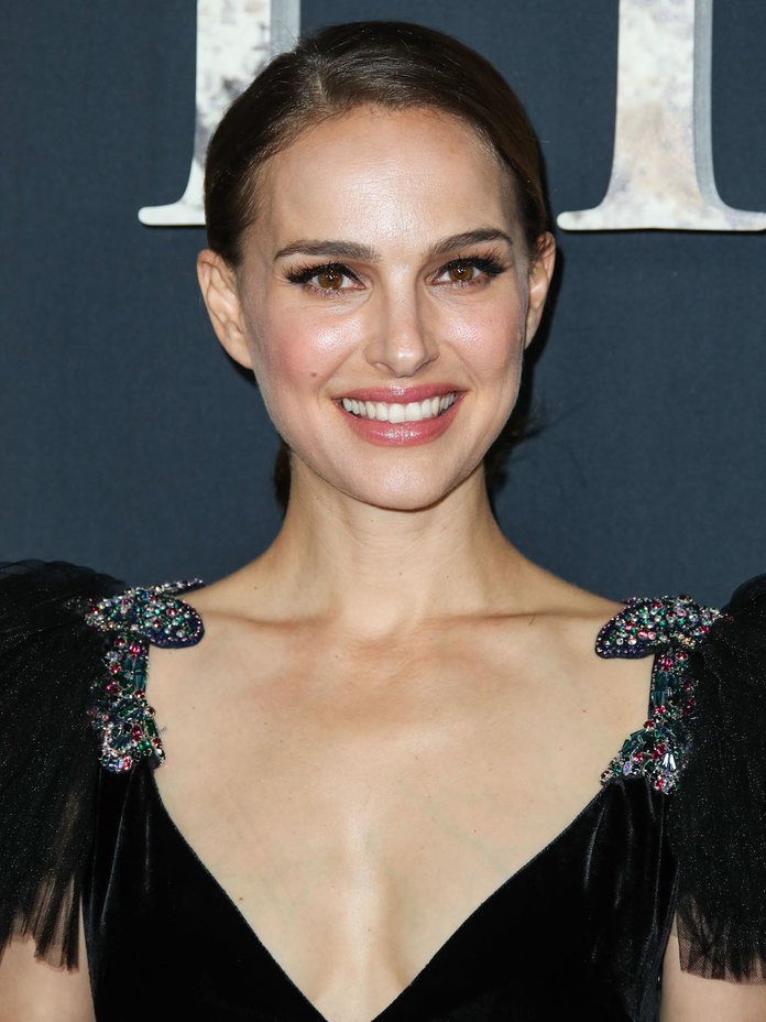 Natalie Portman Reflects On The Time S Up Movement