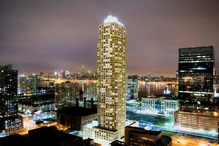 Trump Plaza Jersey City At 88 Morgan St In Downtown