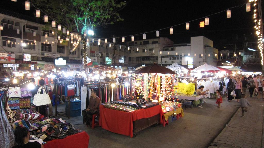 Kalare Night Bazaar - Chiang Mai, Thailand