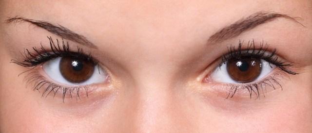 Eyes with long eyelashes