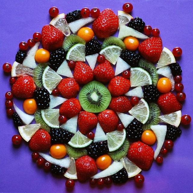 fruits-563384_1280