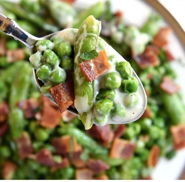 Creamy-Spring-Peas-with-Bacon-and-Mint-Easter-Side-Dish-Recipe-by-Five-Heart-Home_700pxCollage