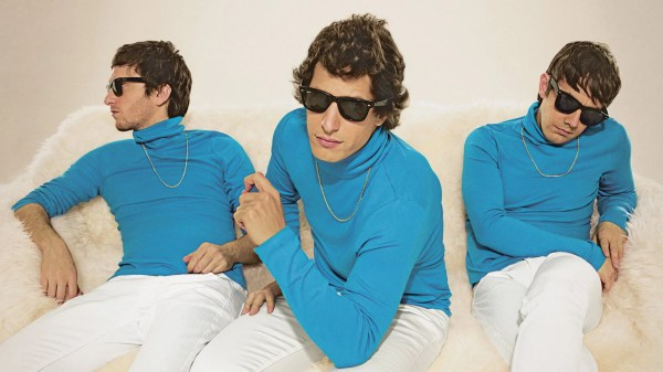Lonely Island Turtleneck and Chain