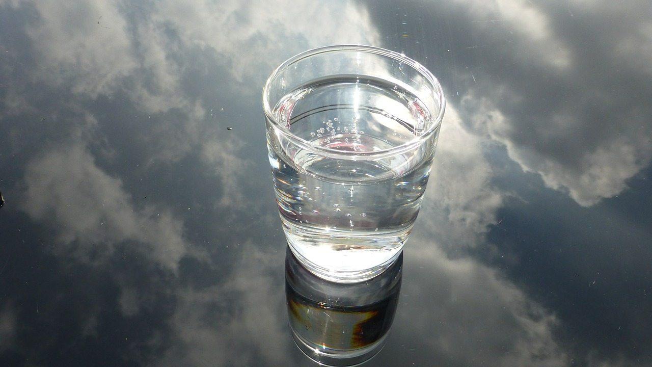 glass-475446_1280