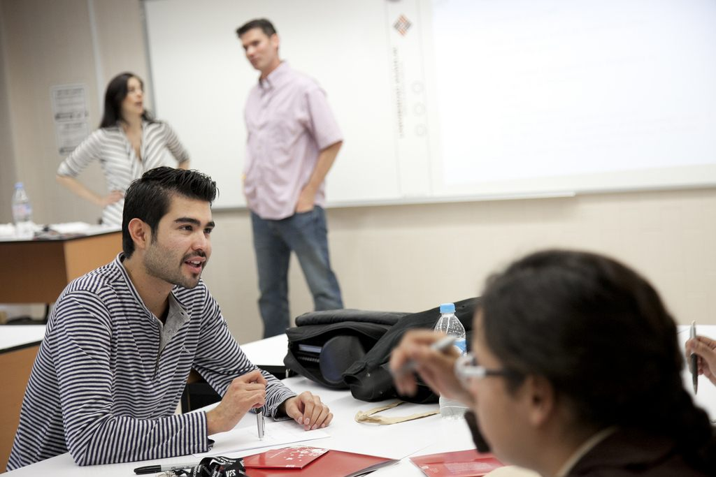 5 Phrases Excellent Communicators Always Use At Work