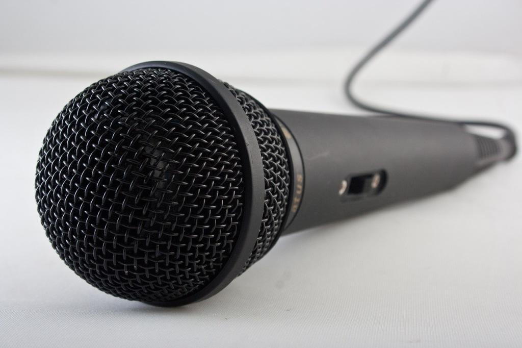 microphone-1068289_1280