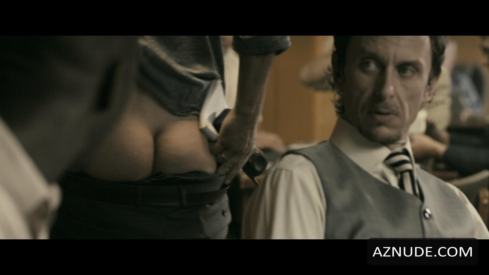 GERARD BUTLER Nude  AZNude Men