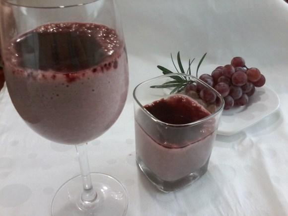 Mousse-Uva-com-calda-de-Vinho-Vegan