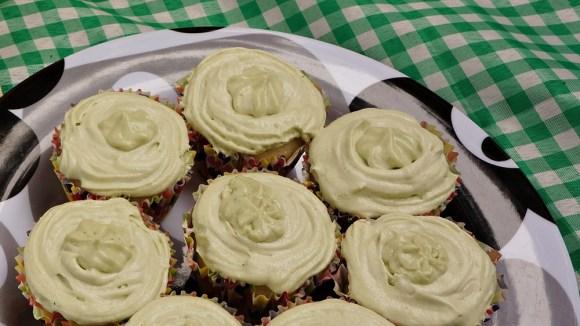 cupcake-vegetariano-de-kiwi-e-hortela-orgânico-vegetariano-sem-leite-sem-ovos-bolinho-inglês
