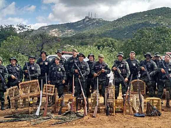 policia-ambiental-salva-13-aves-e-aplica-multa-de-100-mil-na-paraiba