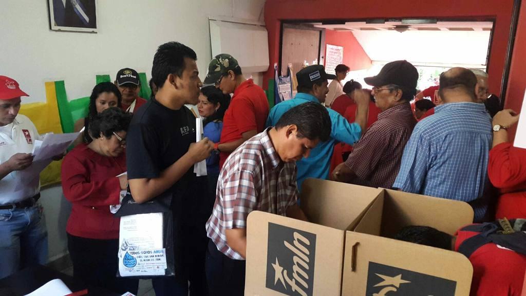 Listado de aspirantes a diputados por el FMLN