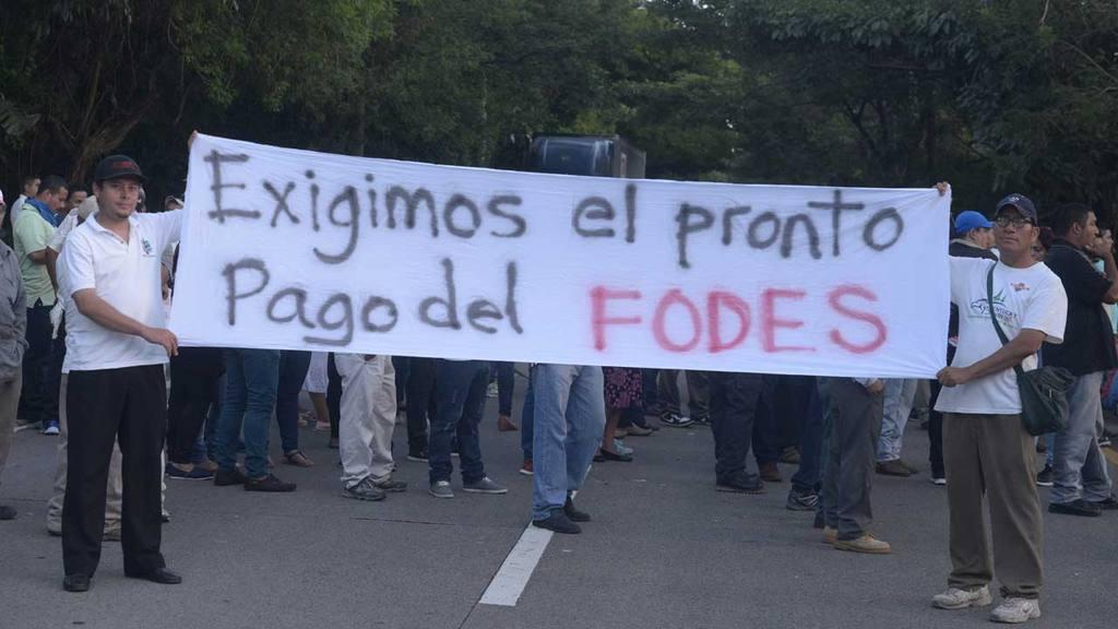 Ministro de Hacienda se niega a pagar FODES a las alcaldías del país