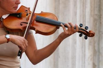 Lady playing a violin