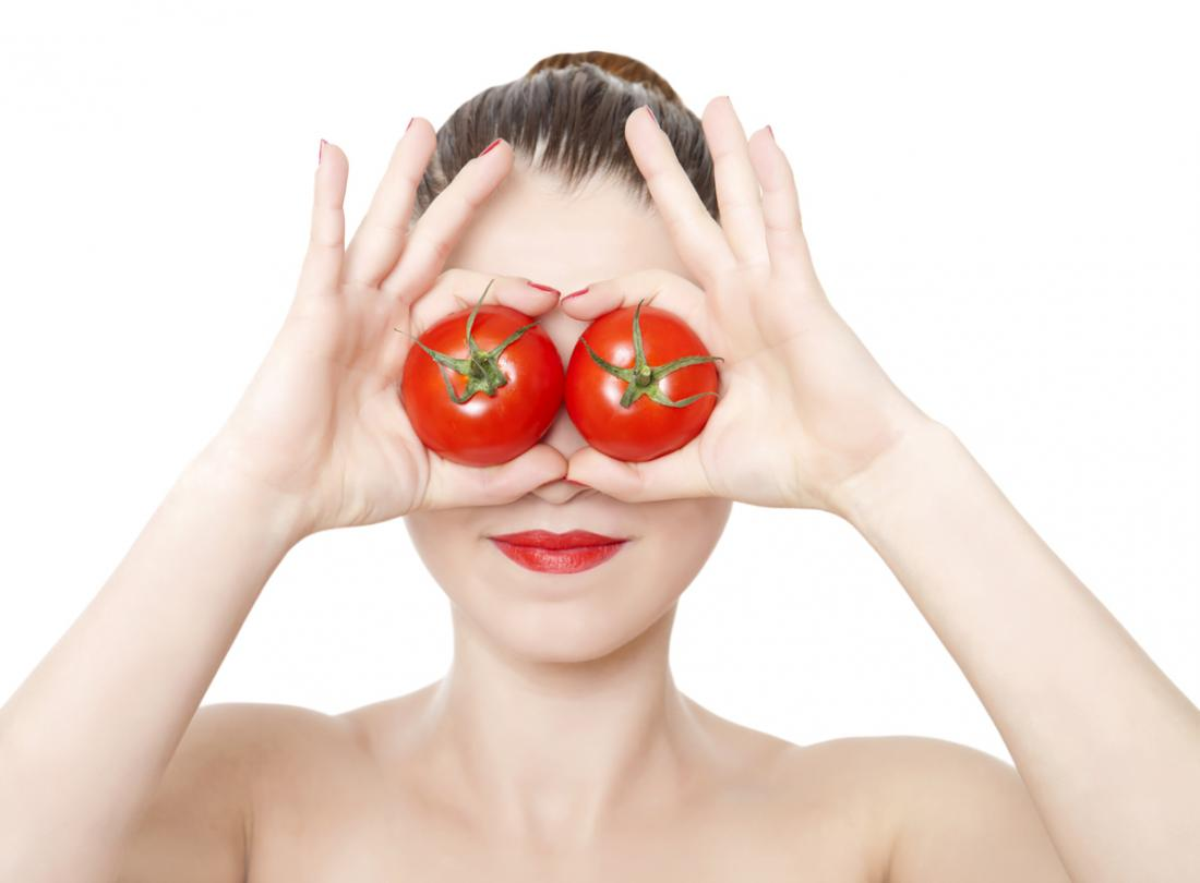 Tomatoes protect eyes