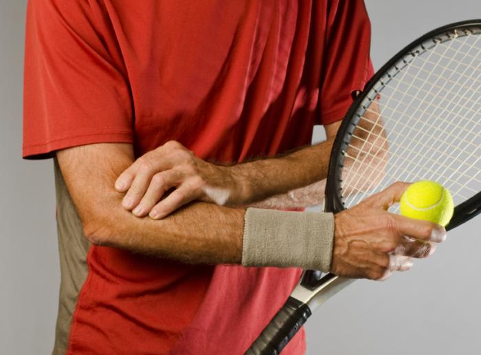 tennis player with tendon injury