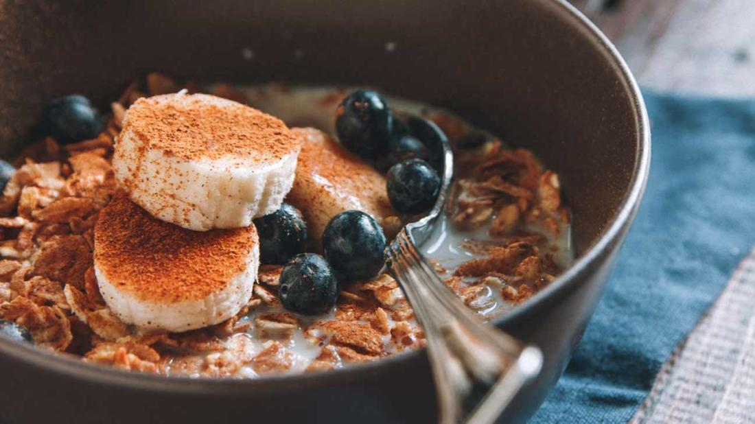 cinnamon and blueberry oats