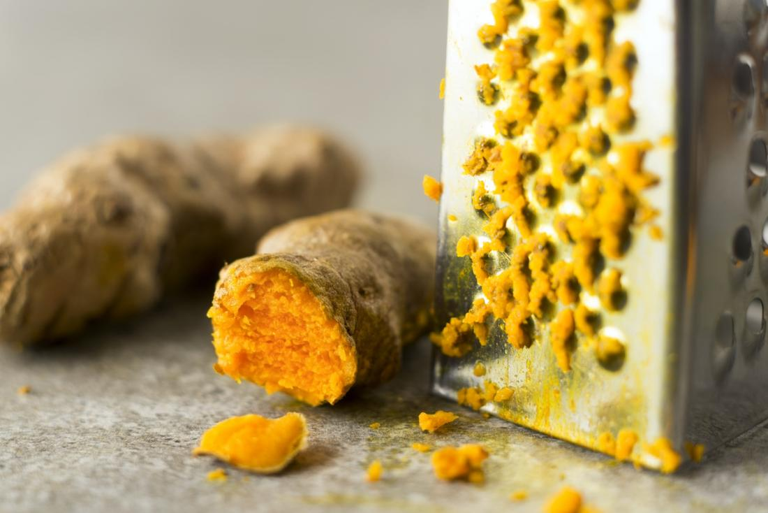 Turmeric gel may help to treat gingivitis.