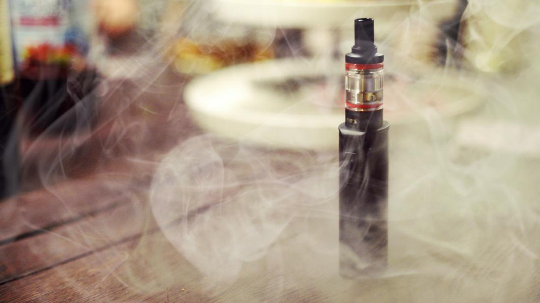E-cigarette and vape cloud
