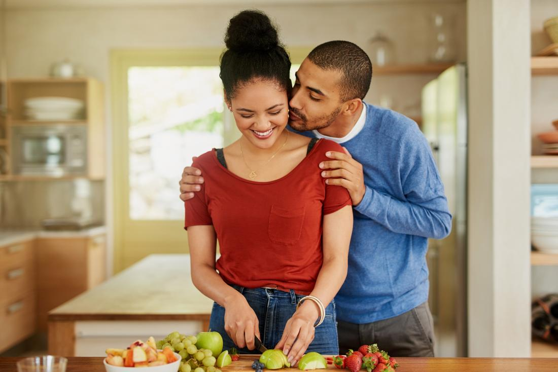 couple preparing healthful meal