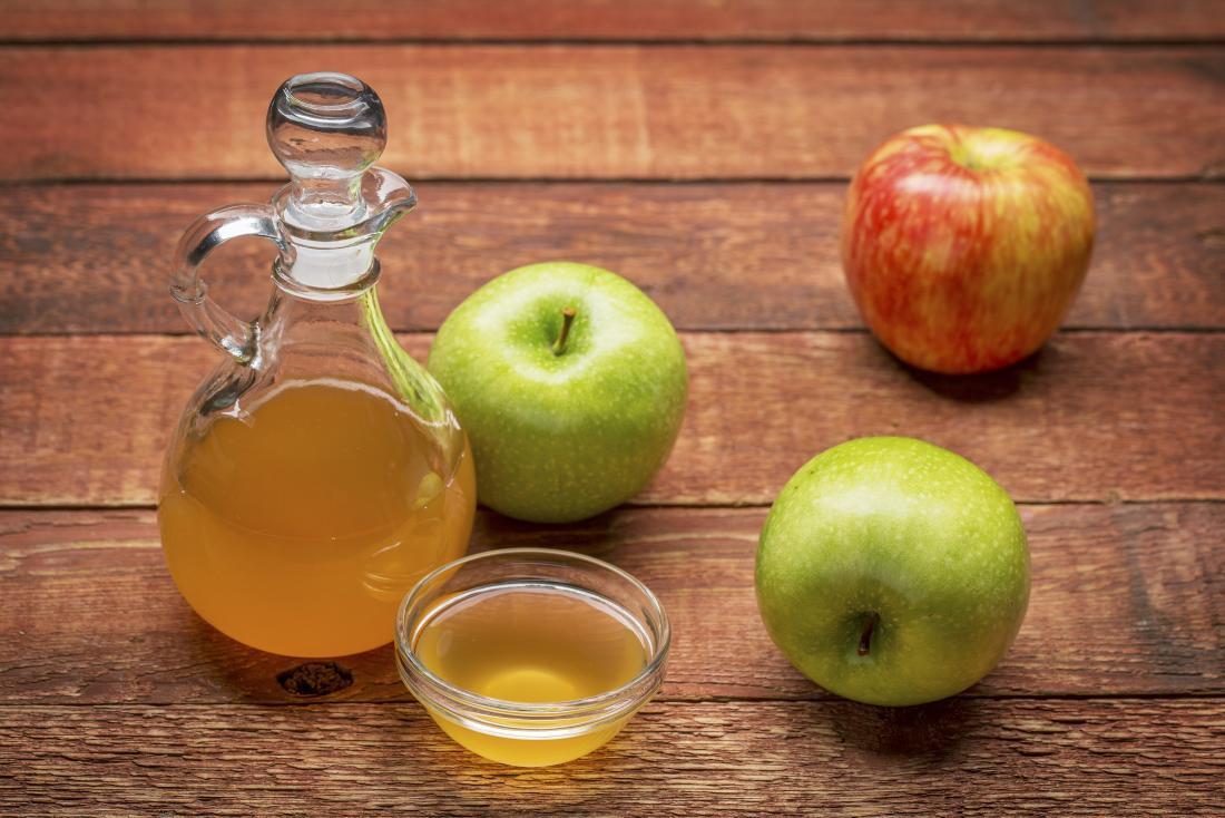 Diet drink with apple cider vinegar and lemon juice