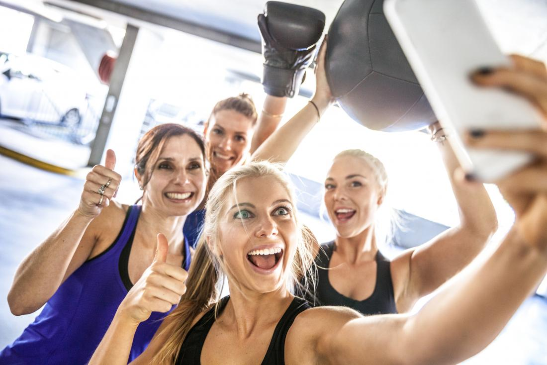 friends taking a gym selfie