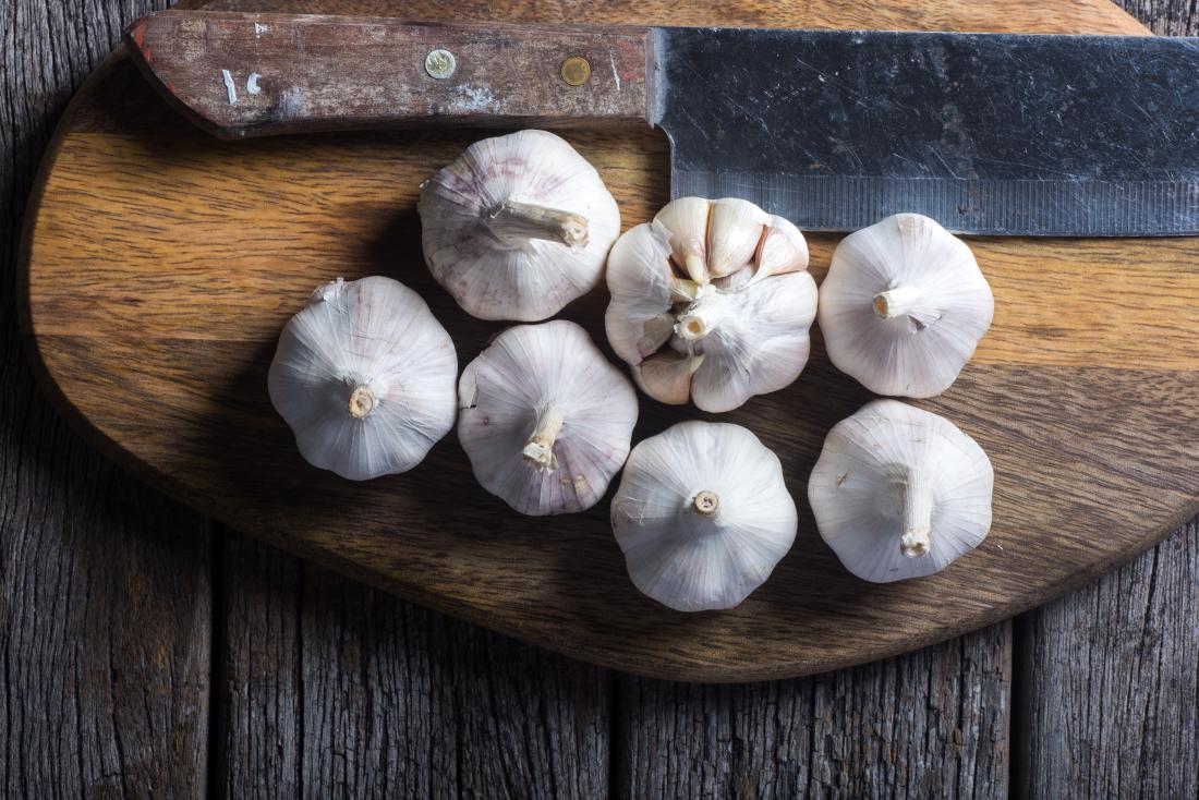 natural blood thinners garlic