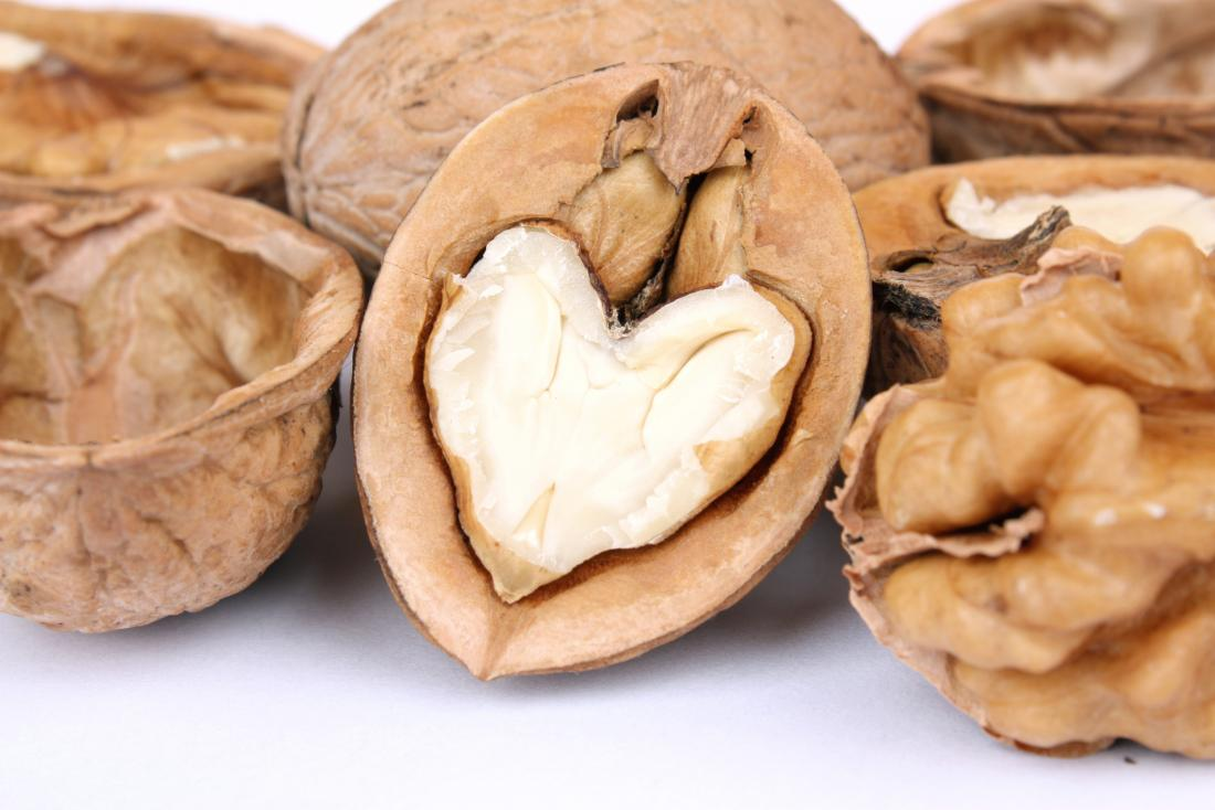 Large study reviews the cardiovascular benefits of walnuts