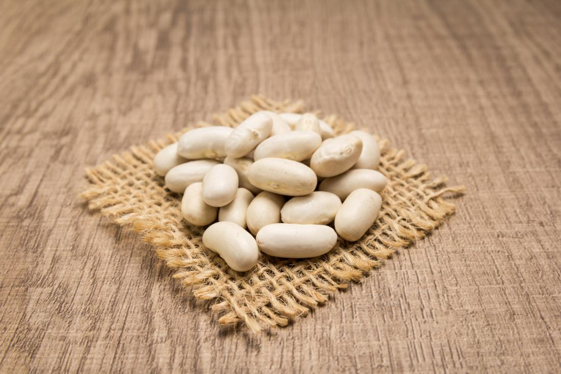 Navy beans which are a high-fiber food