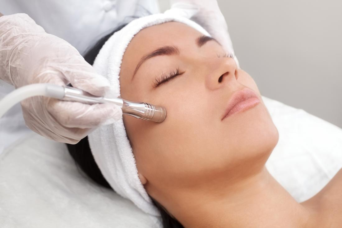 Microdermabrasion Benefits Uses Procedure And Risks