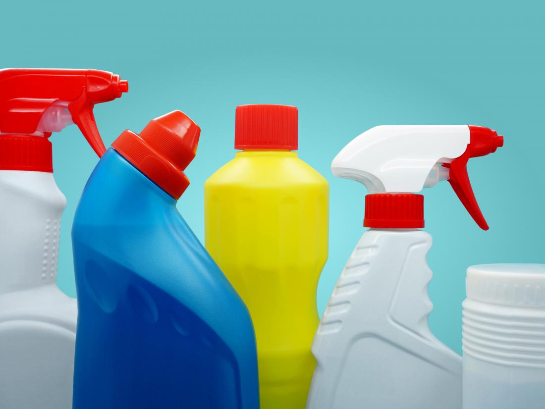 Household cleaning products that contain bleach