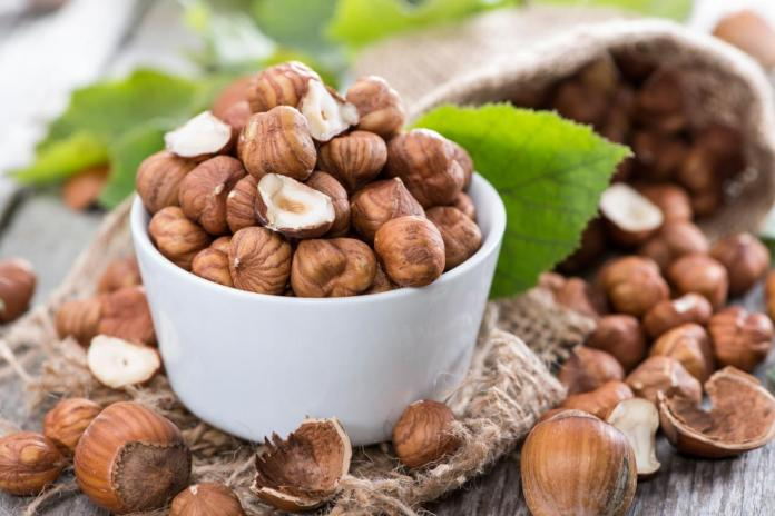 8 health benefits of hazelnuts