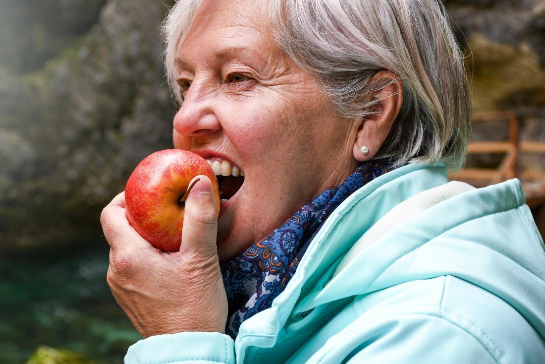 Cancer fighting foods apple