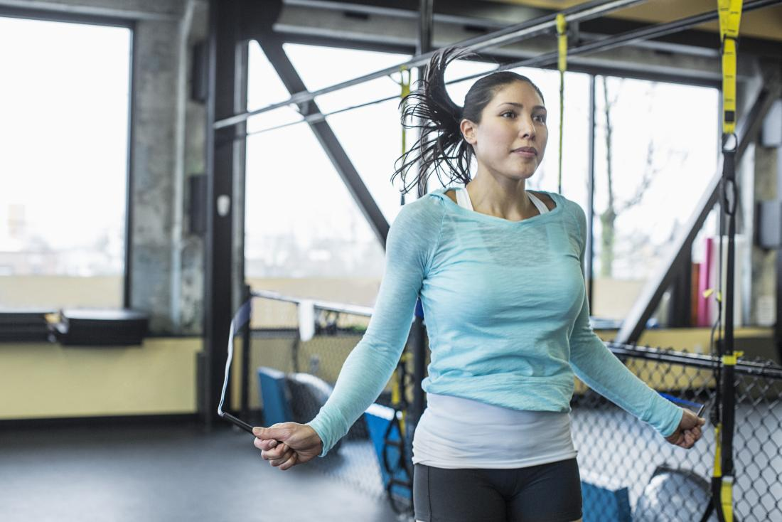 Woman jumping rope to improve cardiorespiratory endurance