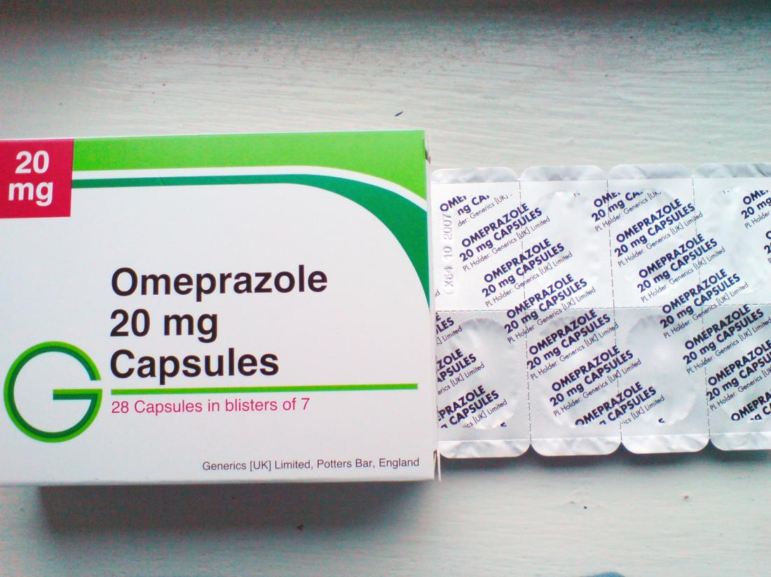 a packet of omeprazole. Image credit: Siufaiho, 2006