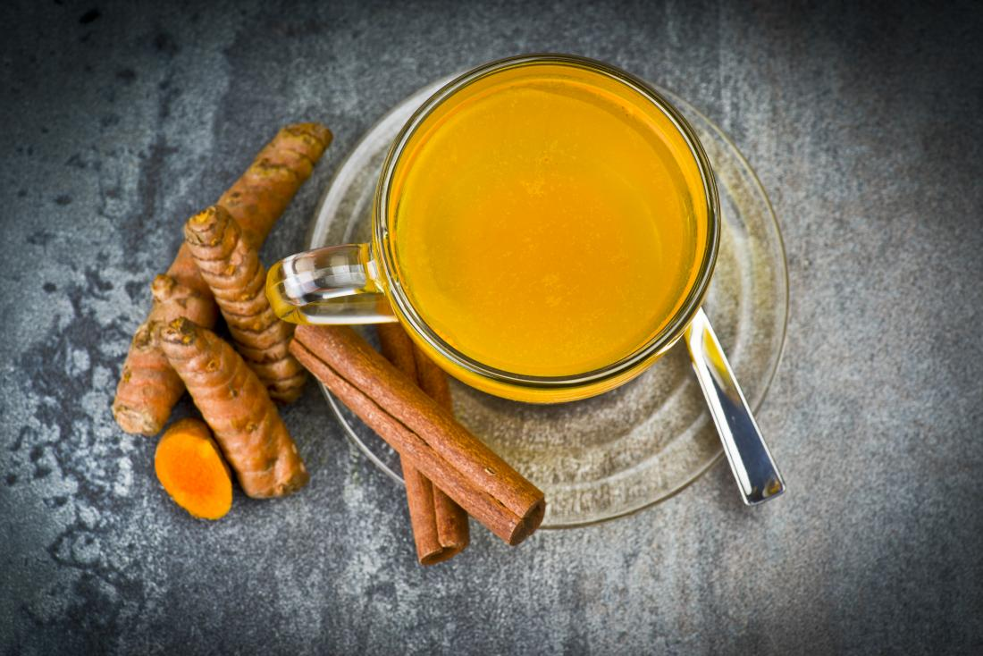 a glass of turmeric tea which is among the recipes for arthritis.