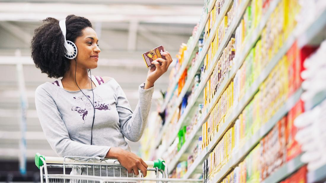 a woman in a supermarket and wondering the difference between Folate and folic acid