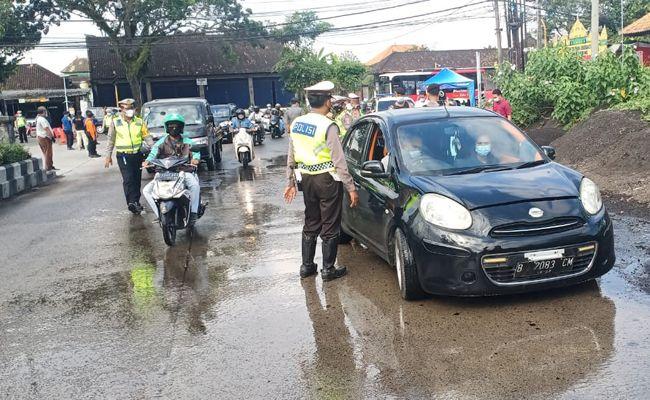 Tujuh Ribu Kendaraan Disetop di Badung, Ratusan Disuruh Putar Balik