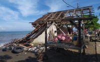 Ombak Besar Terjang Pesisir Jembrana, Pemukiman Warga Berantakan