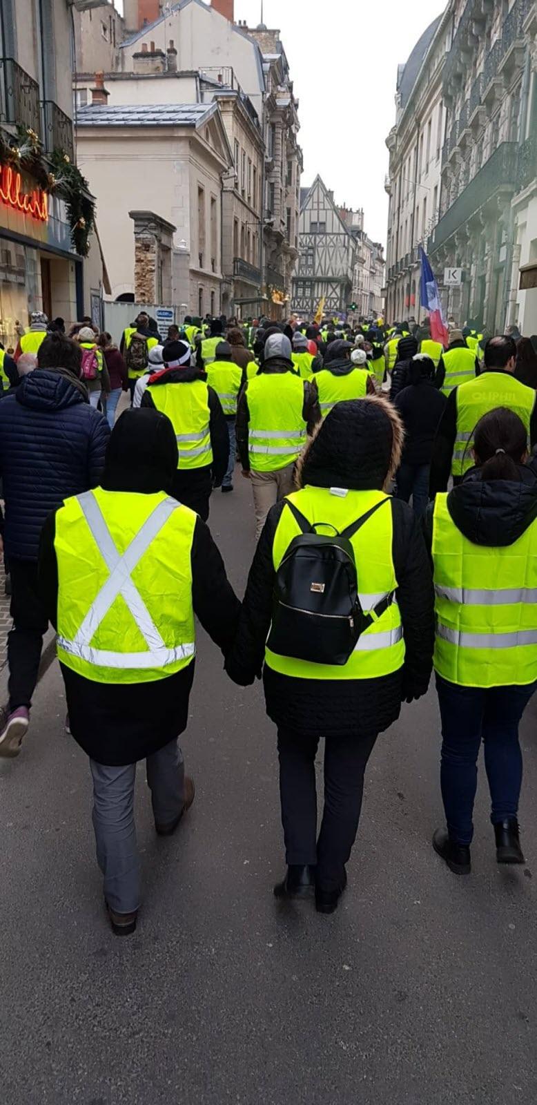 Gilet Jaune Acte 28 : gilet, jaune, Côte-d'Or, Social., Gilets, Jaunes, Personnes, Dijon,, Selon, Manifestants