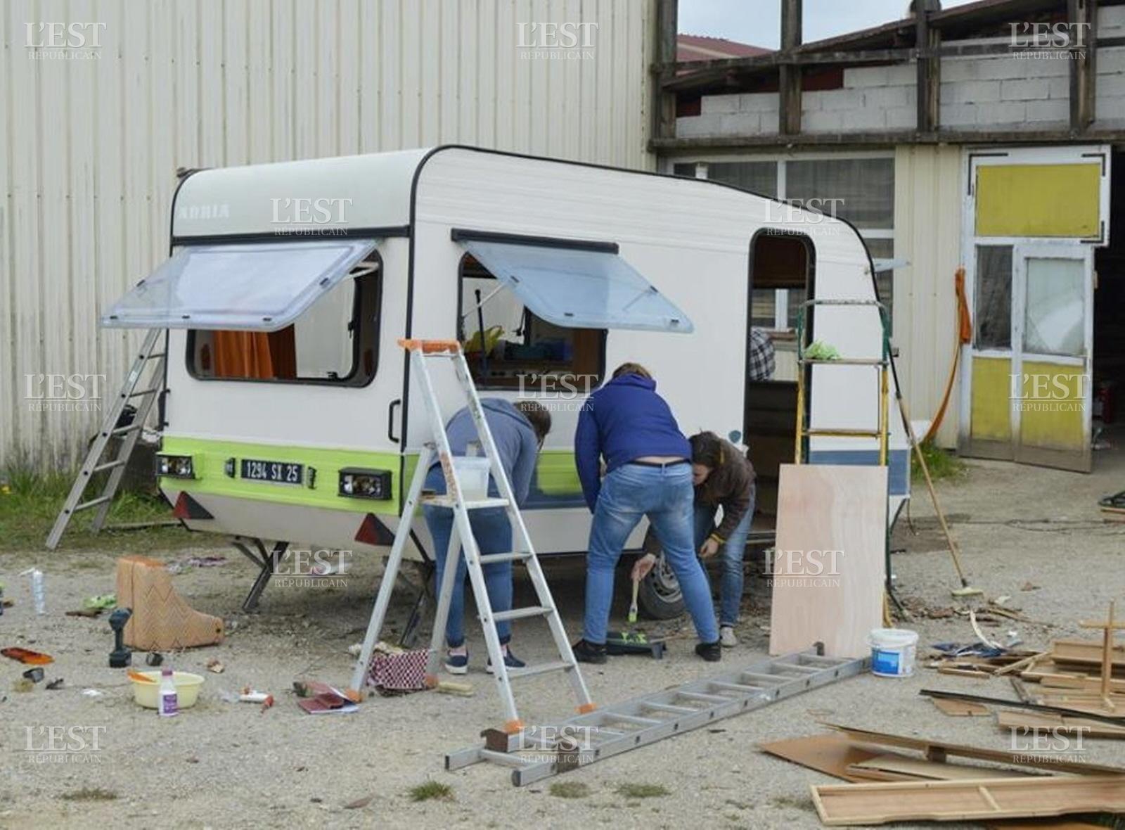 Edition de Vesoul HauteSane  La caravane bar fait tape  Combeaufontaine