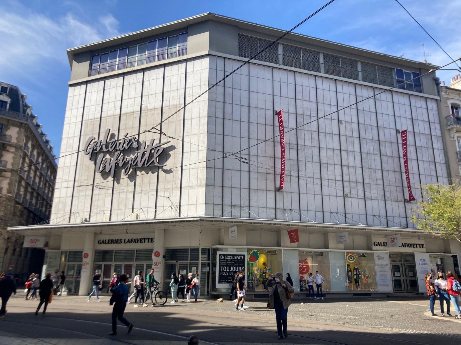 Isère. Covid-19 : à Grenoble. les Galeries Lafayette aussi ont fermé