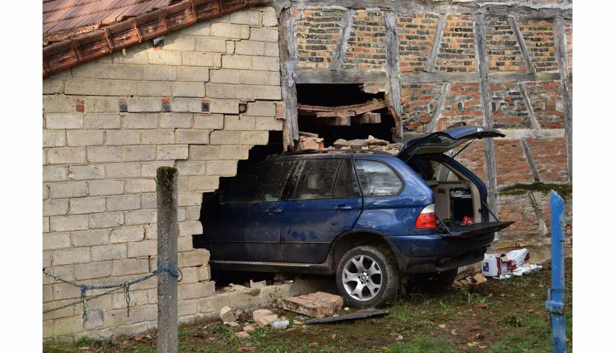 Bresse Fait Divers Un Automobiliste Fonce Dans Le Mur D Une Maison