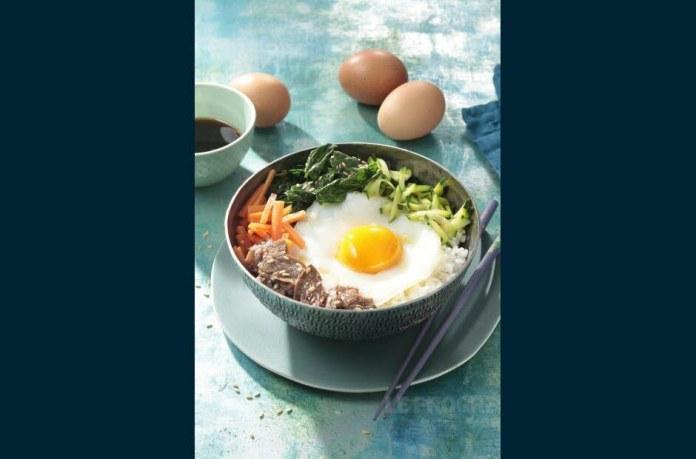 Соленая версия: яйцо является одним из ингредиентов корейского пибимпаба. Фото CNPO / Филипп АКТИВ / ADOCOM