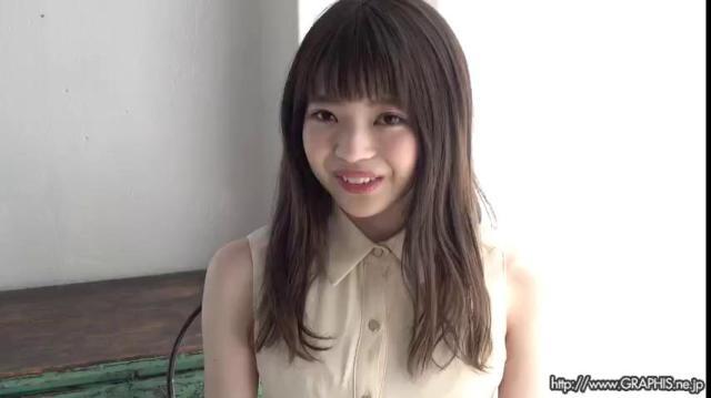 Graphis 2020-08-19 Izuna Maki 槙いずな 『 first gravure 』 MOVIE 03